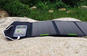 Солнечная зарядка - что подарить путешественнику? 10 идей подарков для туристов на день рождения