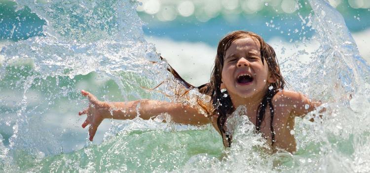 Безопасно ли купаться в Греции? Правила и советы 🇬🇷